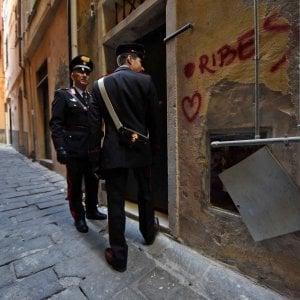 """""""Hai lavorato solo 12 ore"""", picchia la moglie davanti ai bambini: arrestato a Modena"""
