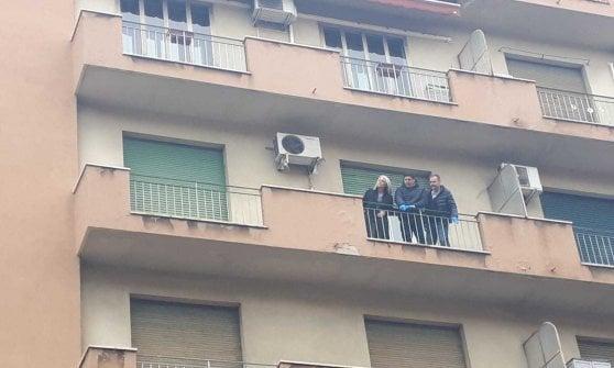 """Bologna, uccide l'anziana moglie e si butta dalla finestra: """"Chiedo perdono"""""""