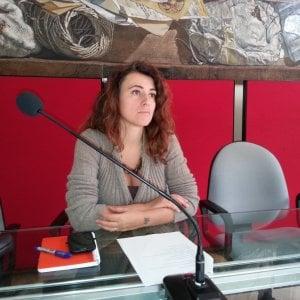 Bologna, l'ex M5s Federica Salsi torna in politica: assieme a Pizzarotti
