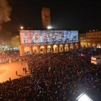 Bologna, spray al peperoncino vietato in piazza Maggiore la notte di Capodanno