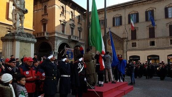 """A Reggio Emilia la festa del Tricolore. Mattarella: """"Simbolo di pace e cooperazione"""""""