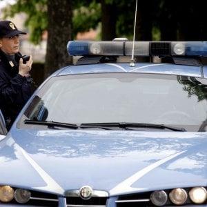 Bologna, spara alla moglie malata e si suicida