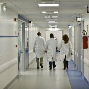 Imola, neonata morì subito dopo il cesareo: tre medici a processo