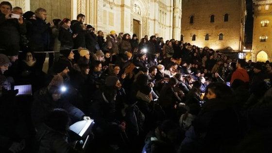 A Bologna il concerto anarchico per De André: contestato Salvini