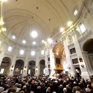 Piacenza, convegno interreligioso: ospite ebreo stacca crocifisso dalla parete della Curia