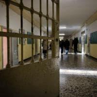 Minacciava di violentare la ex e di sfregiarla con l'acido: Ravenna, accusato