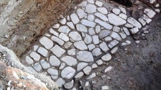 Reggio, durante lavori emerge un tratto dell'antica via Emilia