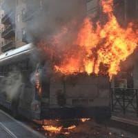 Castenaso, autobus si incendia con dieci passeggeri