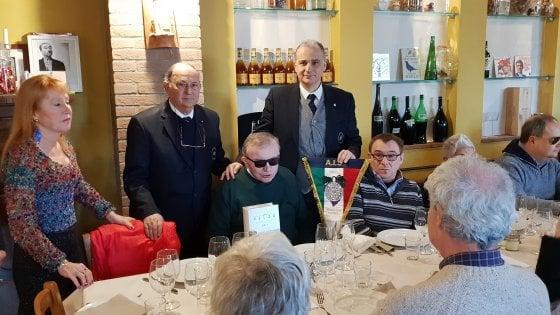 Foto corso da Sommelier per non vedenti a Bologna