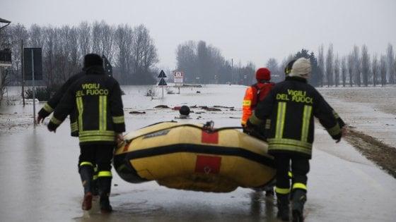"""Maltempo, allarme ad Argelato: """"Siamo sott'acqua"""". Bonaccini: """"Stato d'emergenza"""""""