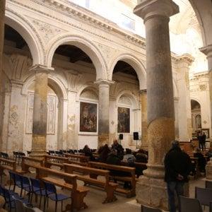 Parroci vecchi e stanchi, Bologna vara la benedizione pasquale triennale (o su ordinazione)