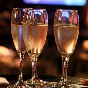 Colpo di sciabola per aprire lo champagne: Modena, 16enne in prognosi riservata