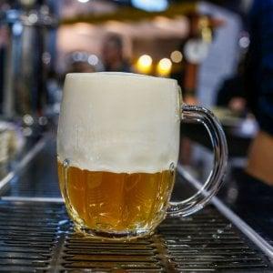 Birra record, ne beviamo 32 litri all'anno a testa
