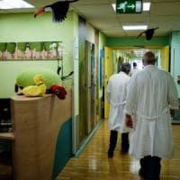Il casco che salva i capelli delle pazienti in chemioterapia: un successo