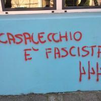 """""""Casalecchio è fascista"""", il sindaco: """"Scritta ignobile, la cancelliamo"""""""