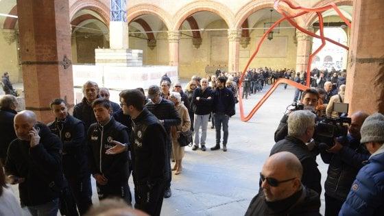 Il saluto commosso di Bologna ad Alberto Bucci