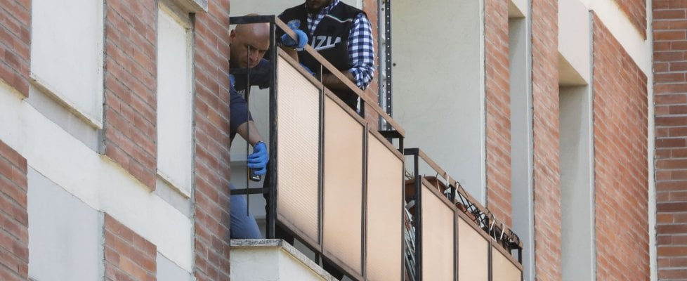 Bologna, morti due fratellini precipitati dall'ottavo piano. Una disgrazia l'ipotesi prevalente
