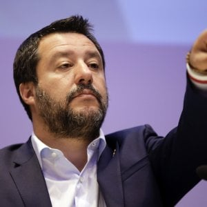 """""""Ogni dittatore ha bisogno di ebrei"""", la Lega denuncia consigliera Pd: offende Salvini"""