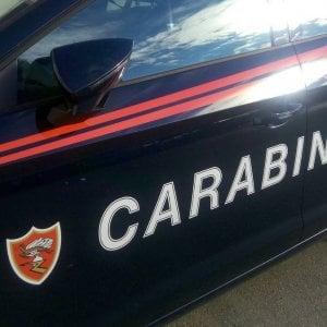 Bologna, sorprende il marito sul web e lo mena: arrestata