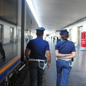 Atti osceni in treno, 3.333 euro di multa a un giovane italiano