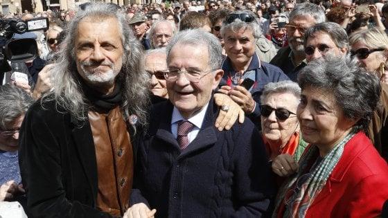 """Liberazione a Bologna, Prodi contro Salvini: """"Chi non riconosce il 25 Aprile non riconosce la nostra democrazia"""""""