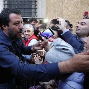 """Residenza a migranti, Salvini contro il Tribunale di Bologna: """"Sentenza vergognosa"""""""