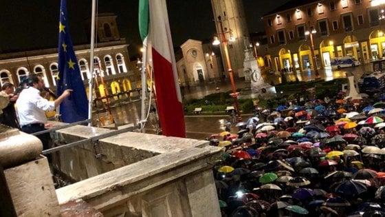 Anpi e sindacati in piazza a Forlì dopo il comizio di Salvini dal balcone del Duce