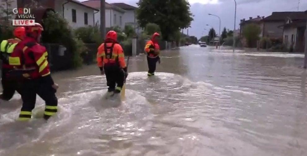 Maltempo: strade, cantine e case allagate a San Martino di Villafranca