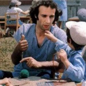Chiedo asilo  40 anni dopo |  appello degli ex scolari al maestro Roberto Benigni
