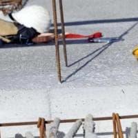 Piacenza, operaio schiacciato sotto una lastra d'acciaio. Un'altra morte