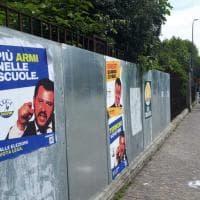 """""""Terroni votatemi"""", """"Onesti quando ci pare"""": spuntano a Bologna finti manifesti ..."""