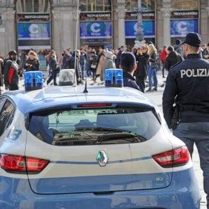 Modena, poliziotto con la fidanzata pornostar: stipendio tagliato. Ma il Tar annulla la sanzione