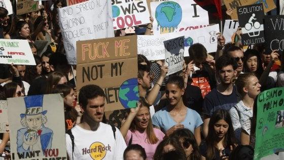 Torna l'onda verde, studenti in piazza per il clima