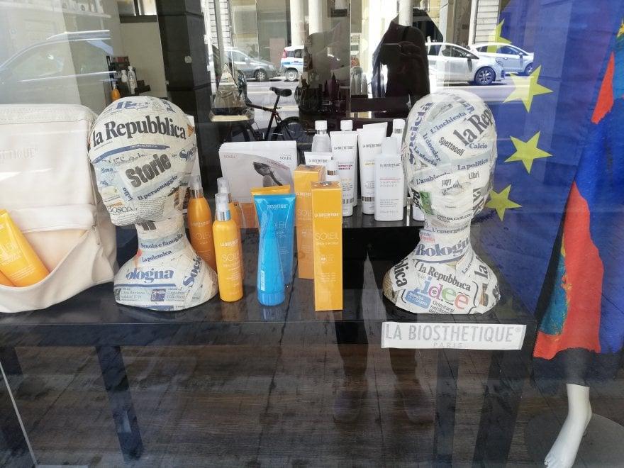 Le idee e la testa, una vetrina per il taglio Repubblica style