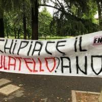 A Bologna striscioni fascisti contro il Pride firmati Forza Nuova