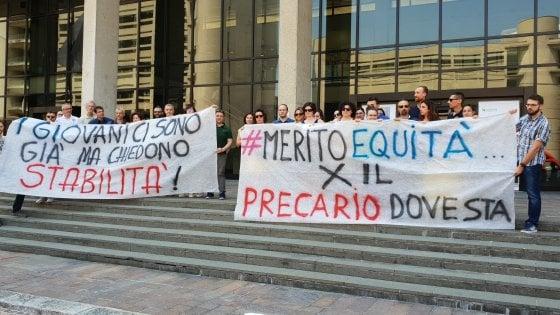 """Assunzioni in Regione, la protesta dei precari: """"La nostra anzianità di lavoro va riconosciuta"""""""