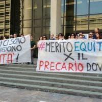 Assunzioni in Regione, la protesta dei precari:
