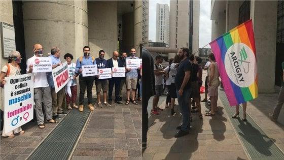 Legge sull'omofobia in Emilia Romagna: voto rinviato. Pro Vita contro Arcigay