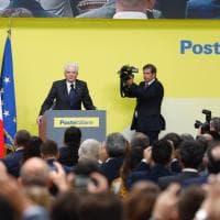 """Il presidente Mattarella inaugura l'hub delle Poste: """"Auguri a quanti qui lavoreranno"""""""
