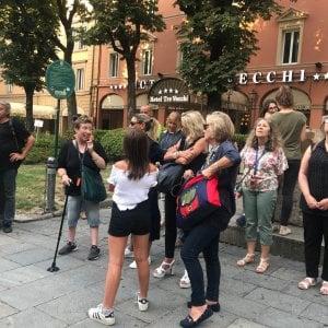 """Bologna, clochard come guide turistiche: """"Uno sguardo diverso"""""""