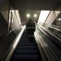 Fumo da un treno in galleria, evacuata la stazione AV
