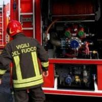 Ozzano, padre e figlio salvati da un incendio in casa