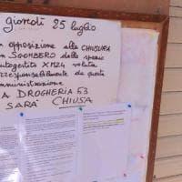 Bologna, contro lo sgombero di Xm24 la drogheria chiude per protesta