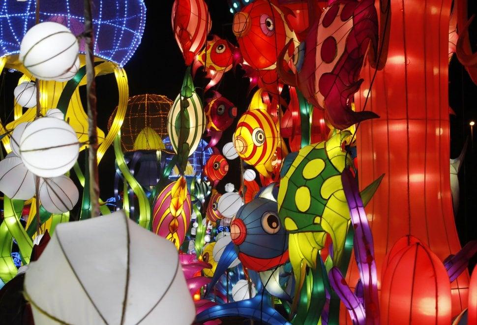 Giochi di luce dalla via della seta: a Bologna, per la prima volta in Italia, il Festival delle lanterne