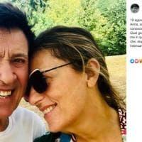 """Gianni Morandi e Anna Dan, dedica social per i 25 anni insieme: """"Quel giorno mi innamorai"""""""