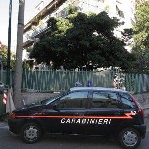 Bologna,  fa pipì davanti alla caserma e i carabinieri lo multano per 3.300 euro