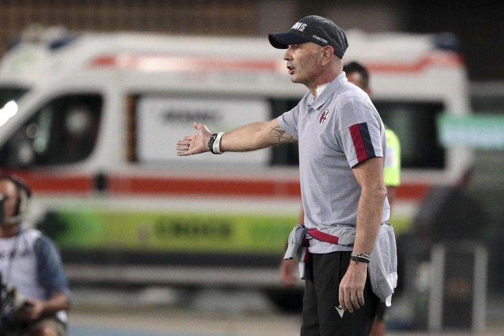A kick to leukemia: Mihajlovic on the bench in Verona