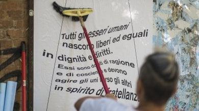 Sui muri i diritti umani  da difendere  foto