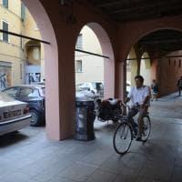 Bologna, parcheggi selvaggi in centro