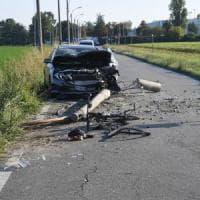 Bologna, schianto all'alba: ciclista travolto muore sul colpo